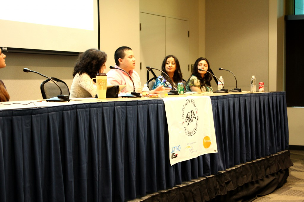 Nikko Gabriel Reynoso shares his experience, while Maria Hinojosa, Dr. Lina Mendez, and Claudia Mendez listen.