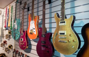 Wall_of_guitars,_Museum_of_Making_Music-1