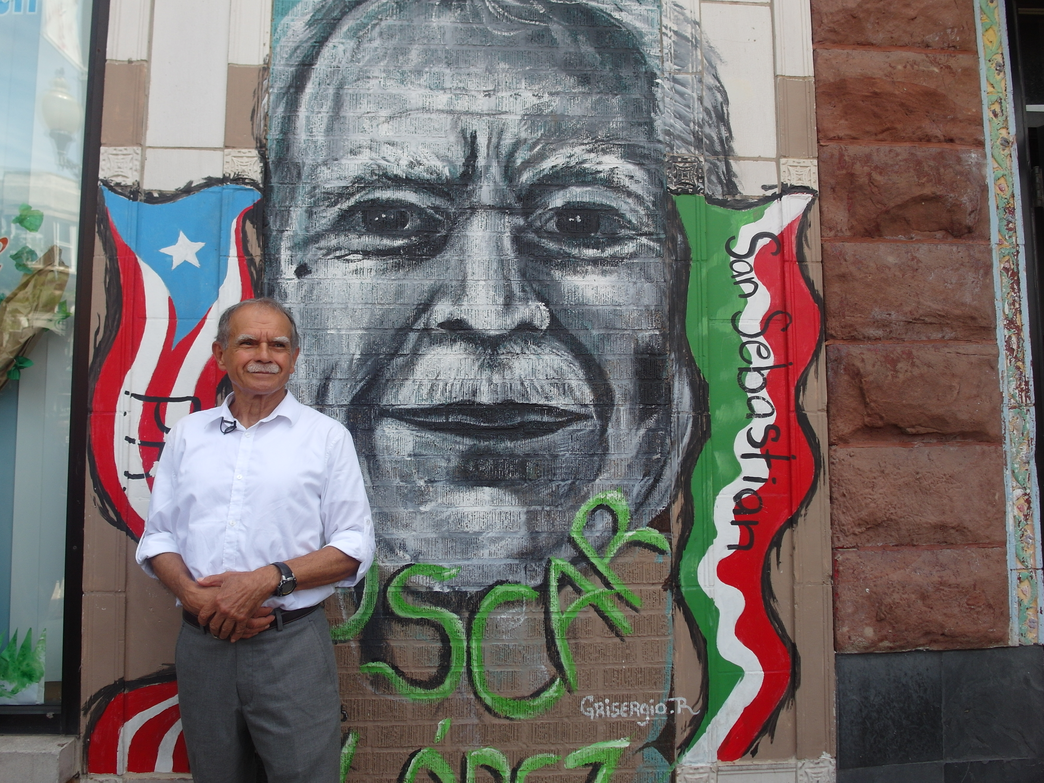 Oscar López Rivera Gets Hero's Welcome at Chicago's Puerto Rican Parade